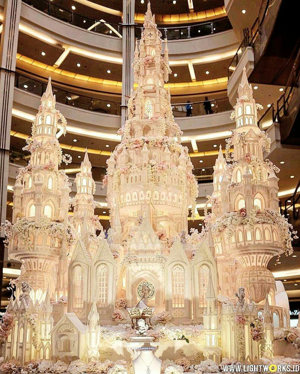 5 Green Wedding Decorations That Will Leave You Speechless: Extravagant Wedding Cakes, Amazing