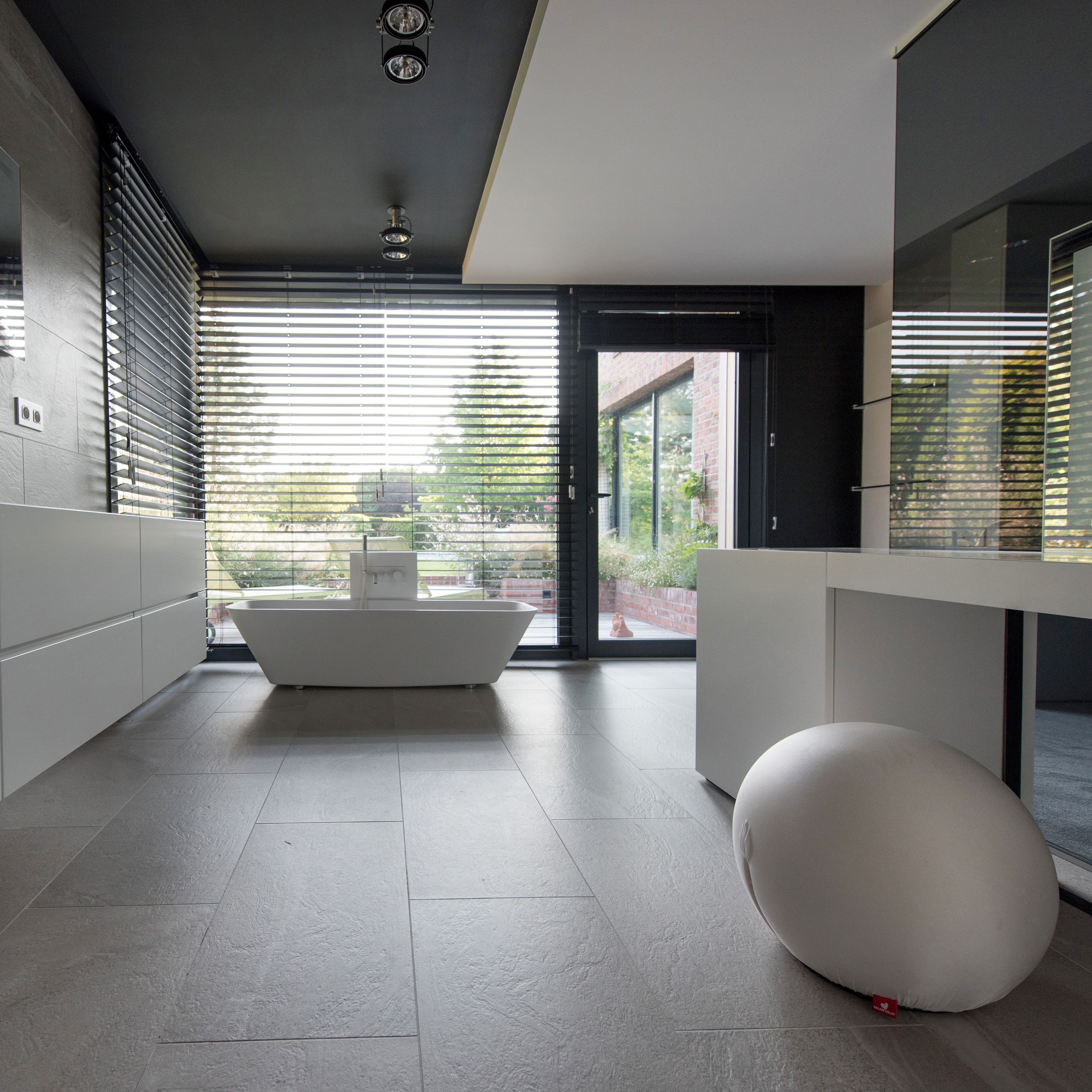 Maison Moderne / Contemporain / Décoration / Design / Salle De Bain / Suite  Parentale /