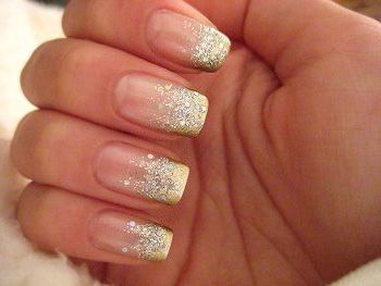 Glitter Nails and Manicure Ideas for the Glamorous Bride
