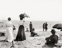Vintage Beach Photos ~ passion for the ocean, beach, waves, surf #piccolets