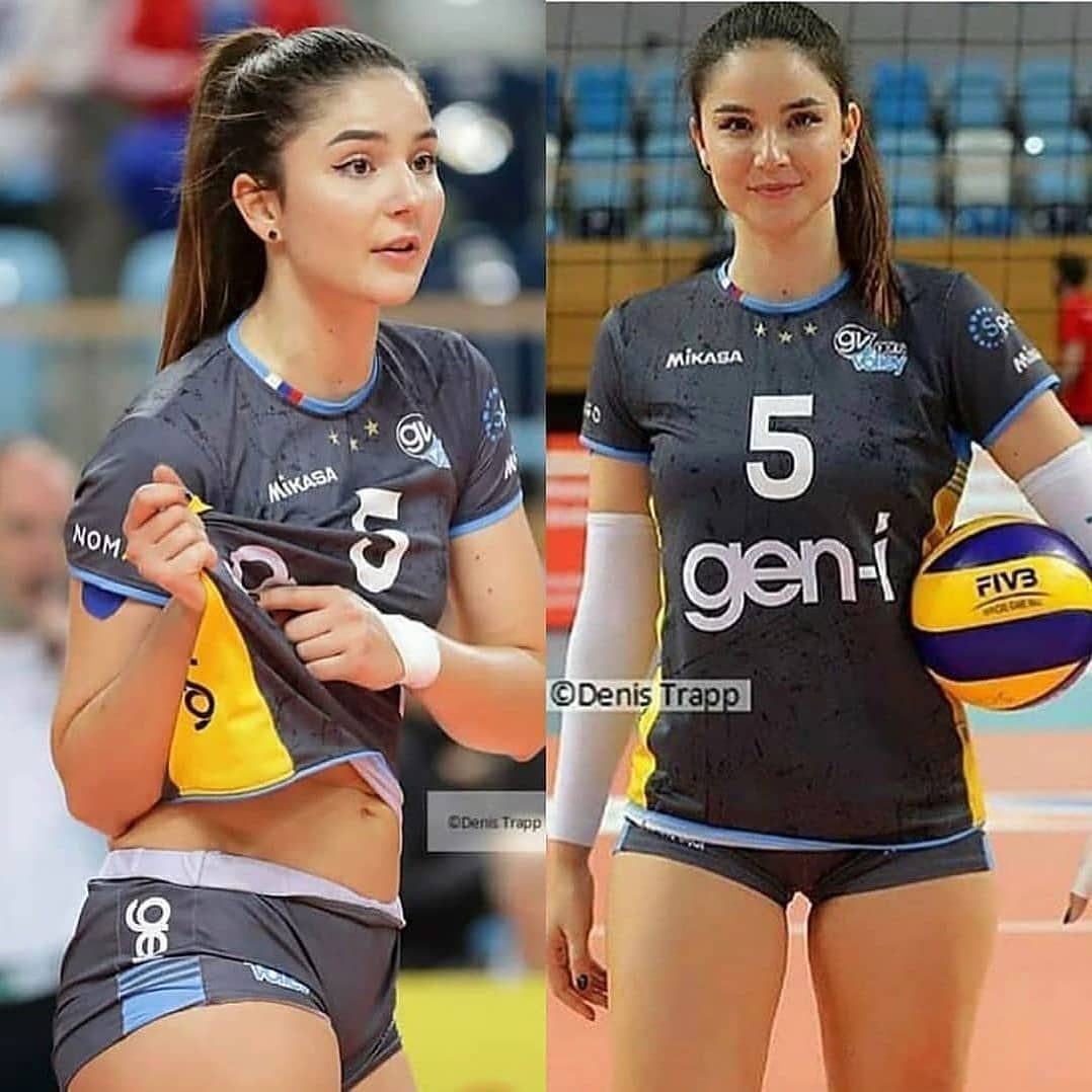 Pin By Sushs Susjsbe On Female Volleyball Players In 2020 Professional Volleyball Players Professional Volleyball Female Volleyball Players
