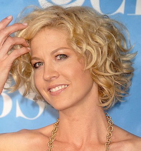 Short Hairstyles For Thin Curly Hair Hair Styles Short Wavy Haircuts Curly Hair Styles