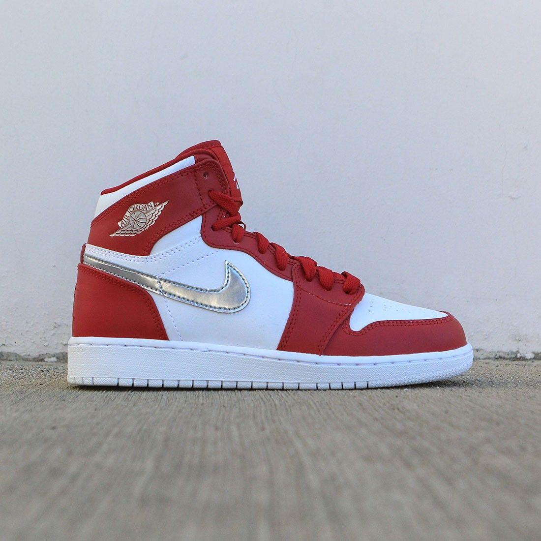 promo code 92bd7 538f7 Jordan Big Kids Air Jordan 1 Retro High (GS) (gym red   metallic  silver-white)