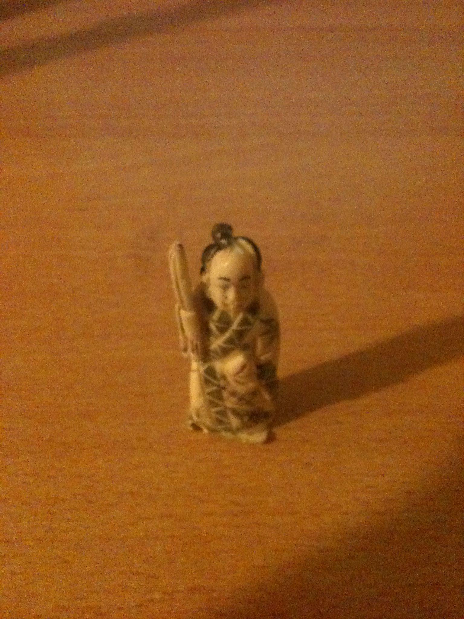 Netsukè in Avorio di qualità  Chiama Danilo 0039 335 6815268  High quality ivory  Call Danilo 0039 335 6815268