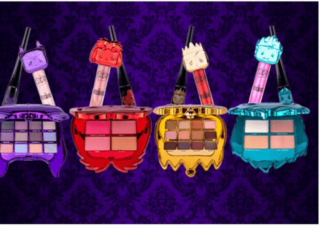 Pre-Order from Pop in a Box Brand New Funko X Disney Makeup. Go to link in bio @allthingssubscripti