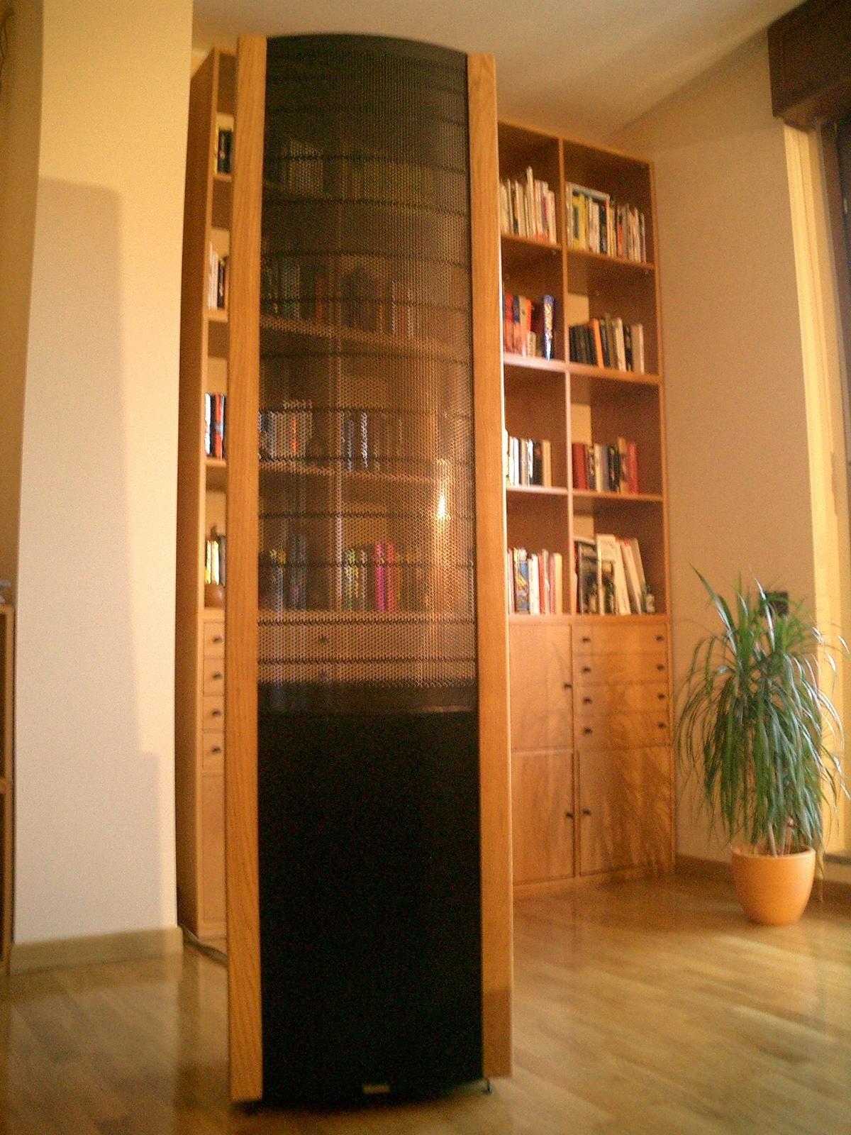 speakers paradigm logan reference watch studio subwoofer v display demo martin bookshelf