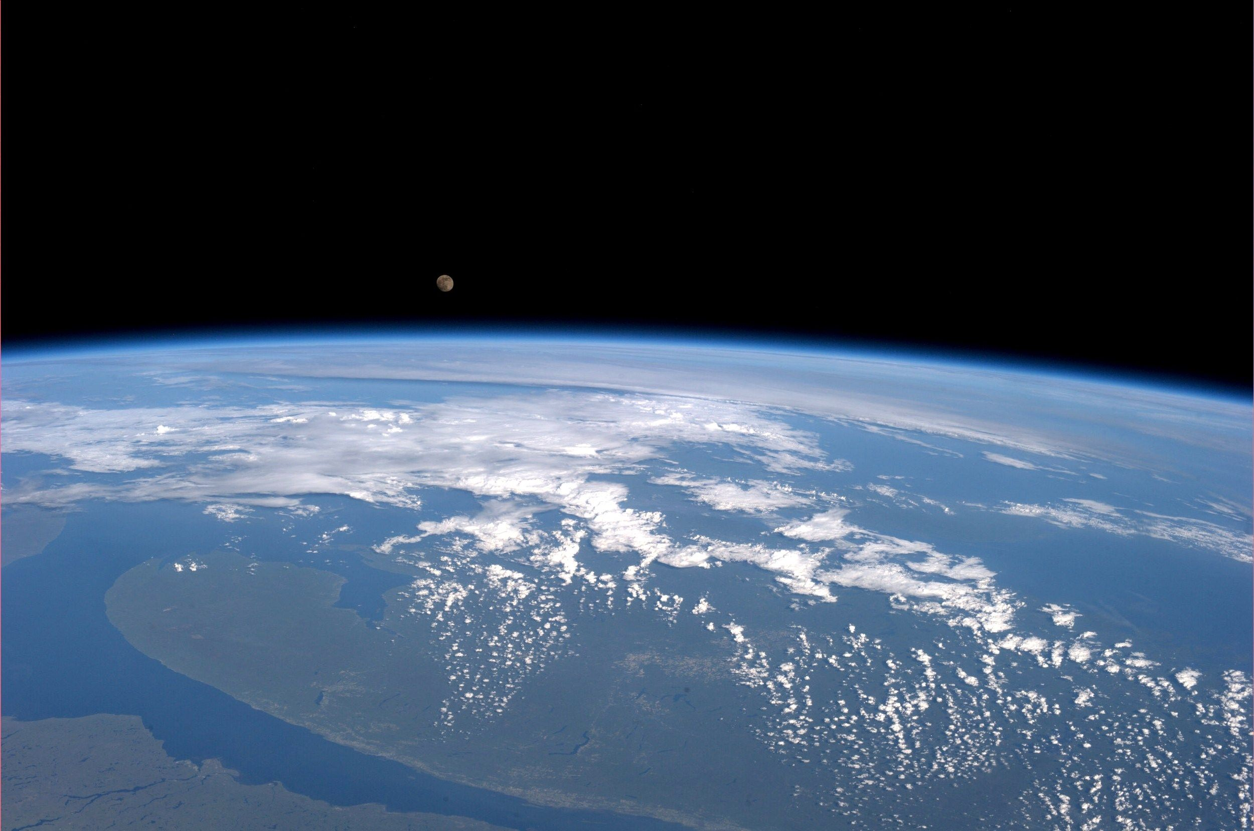 Moonrise Over New Brunswick Kn From Space Planet Earth From Space Earth Photos Earth View
