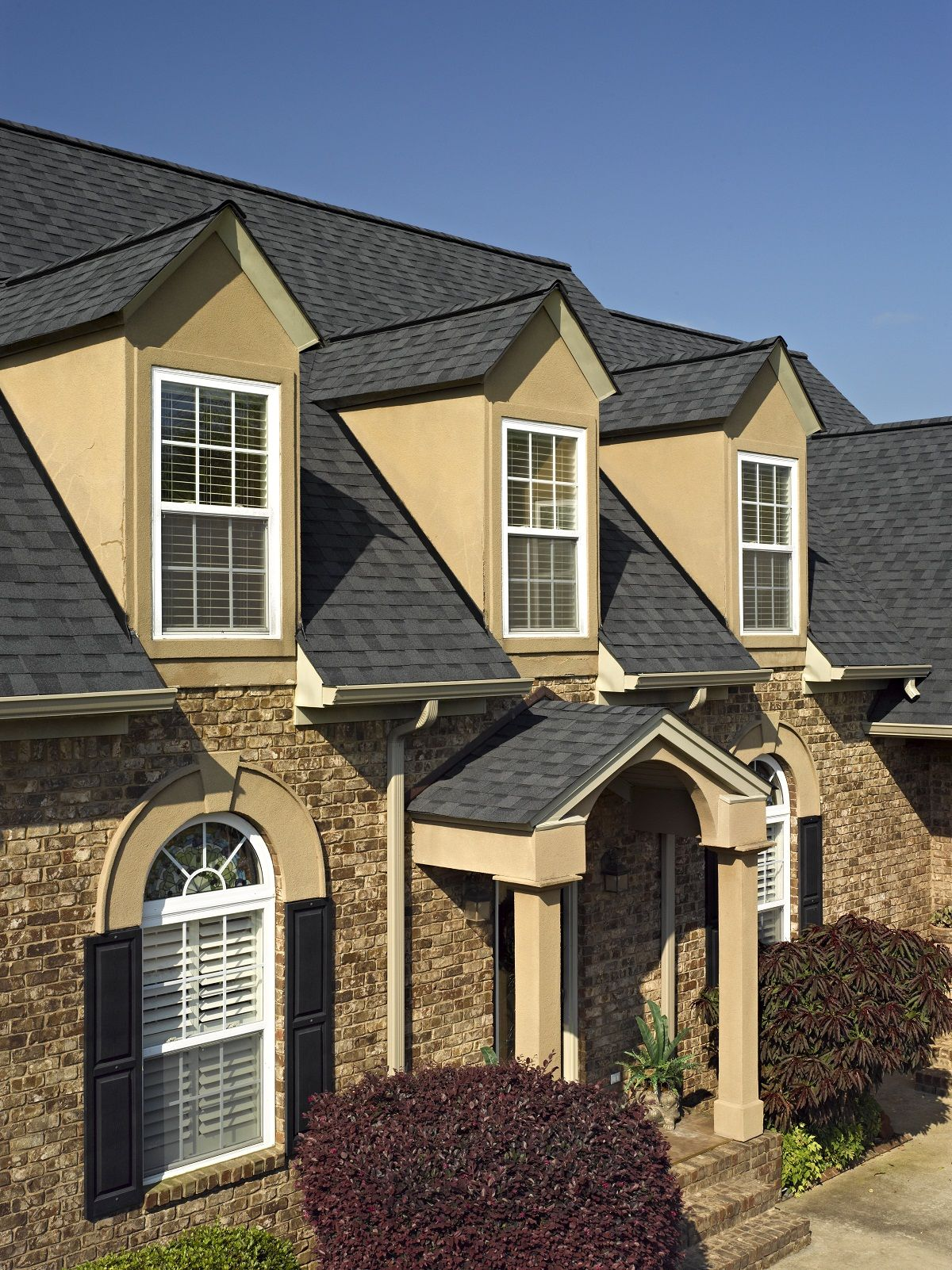 Best Certainteed Landmark Shingle In Moire Black Roofing 400 x 300