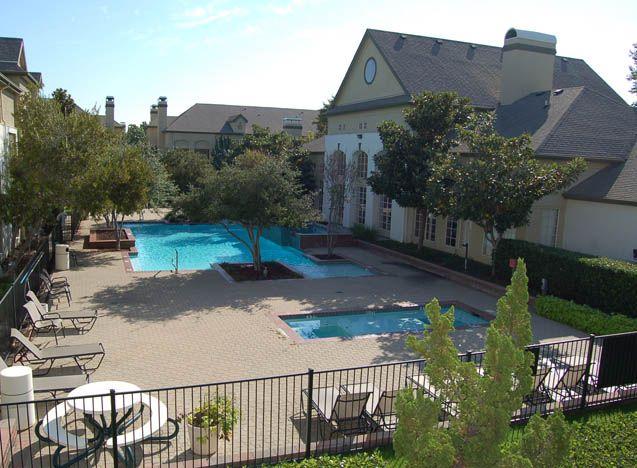 972 490 4944 1 3 Bedroom 1 2 Bath Renaissance Parc Apartments 5151y Verde Valley Ln Dallas Tx 75254 Renting A House Apartments For Rent Great Places