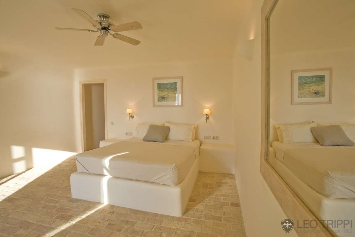Luxury and tranquillity on the edge of Aegean Sea
