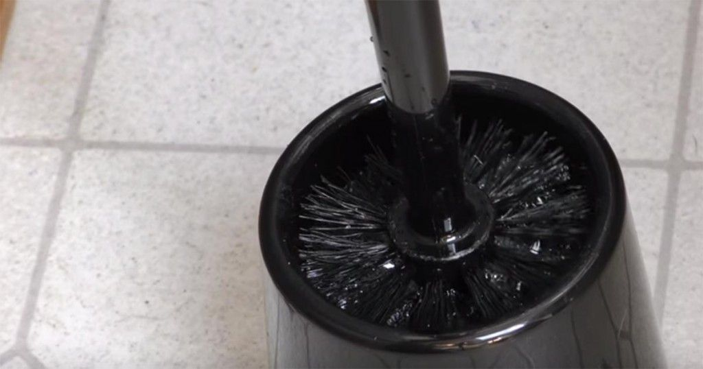 He Pours Vinegar Into His Toilet. When He Flushes? This Is Brilliant!