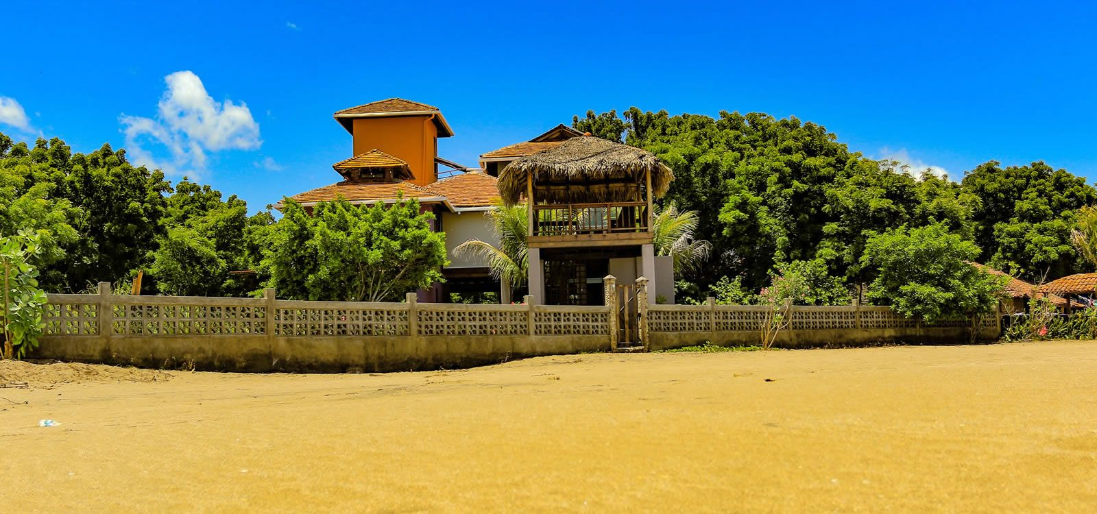 4 Bedroom Beachfront Property For Sale Located On The Unspoiled Beach Of Playa Hermosa In Huehuete On Nicaragu Beachfront Property Property For Sale Beachfront