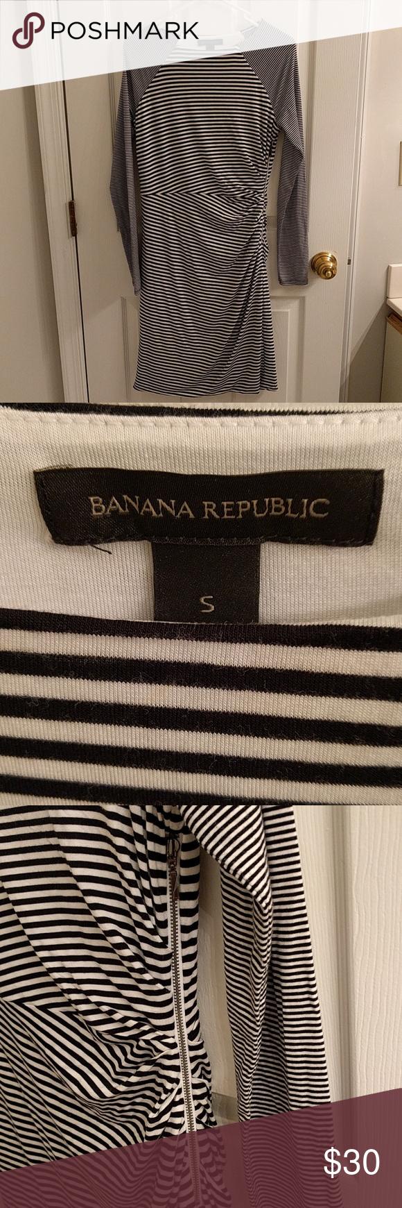 NWOT Banana Republic Dress Super flattering, exposed zipper on the side, appropriate length for the office. Banana Republic Dresses
