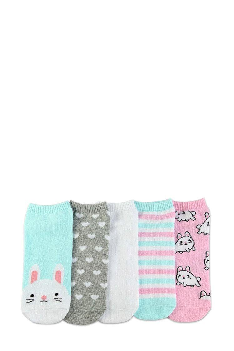 Photo of Un conjunto de calcetines con diseños de conejito, corazón, rayas