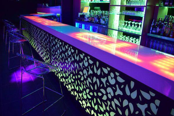 Decoraci n de bares decoracion de bares barra de bar y - Ideas para discotecas ...