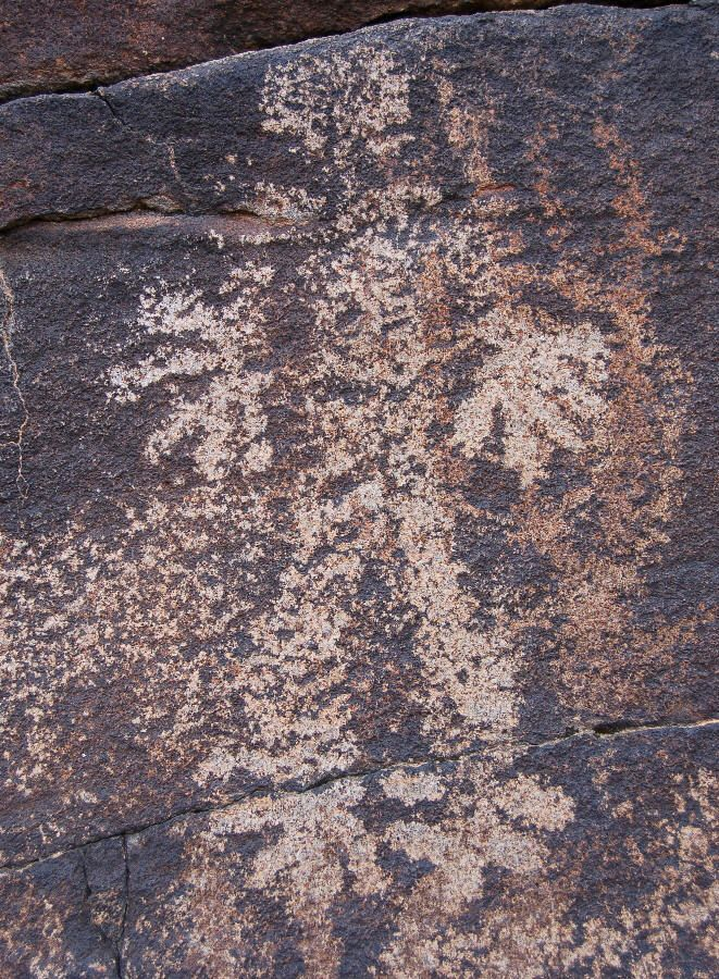 Man Cave Yuma : Patayan petroglyph near yuma az could this be bigfoot