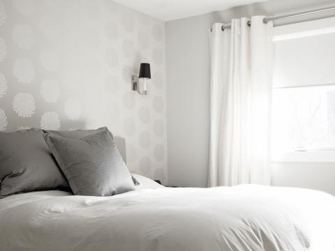 bg-schlafzimmer-ideen-trendfarbe-grau-und-tapetejpg 480×360 Pixel - tapeten ideen fr schlafzimmer