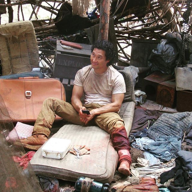 A very special #tbt, thanks to @pronouncedhorhay. He surprised me with this pic the other day and It was like finding buried treasure. Poor Jin - the guy got beaten up, blown up, handcuffed and as you can see in this shot, caught in a bear trap.  Guess that's what you do for #love.  #LOST. #setlife