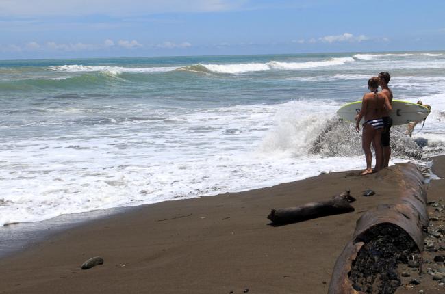 dominical beach attraction surfer   - Costa Rica