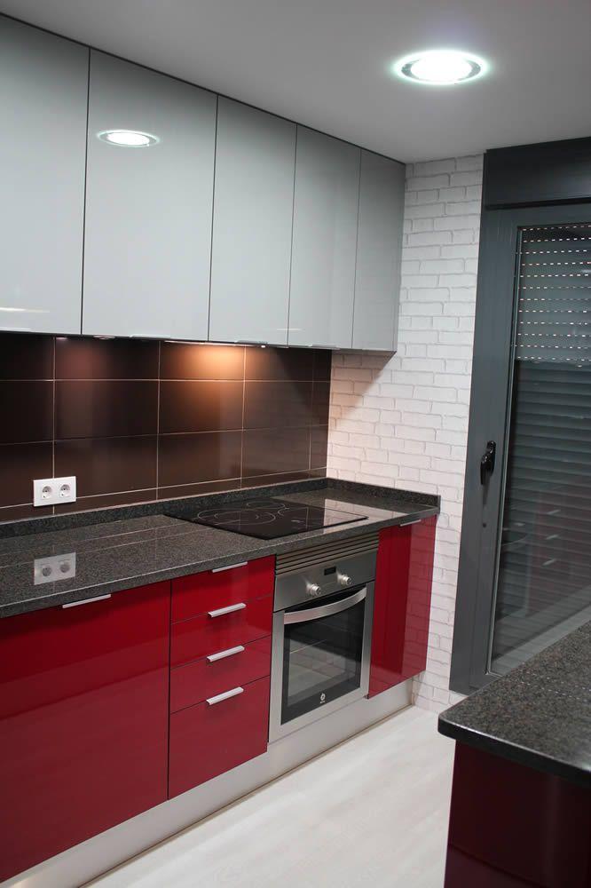 Getafe rey rojo con gris clarito granito negro Cocinas en Getafe
