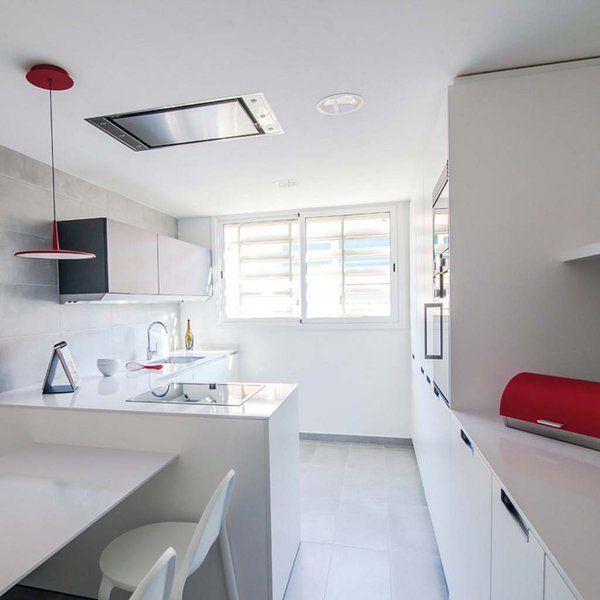 Una Cocina Moderna Y Funcional En Blanco Y Rojo Decoracion De
