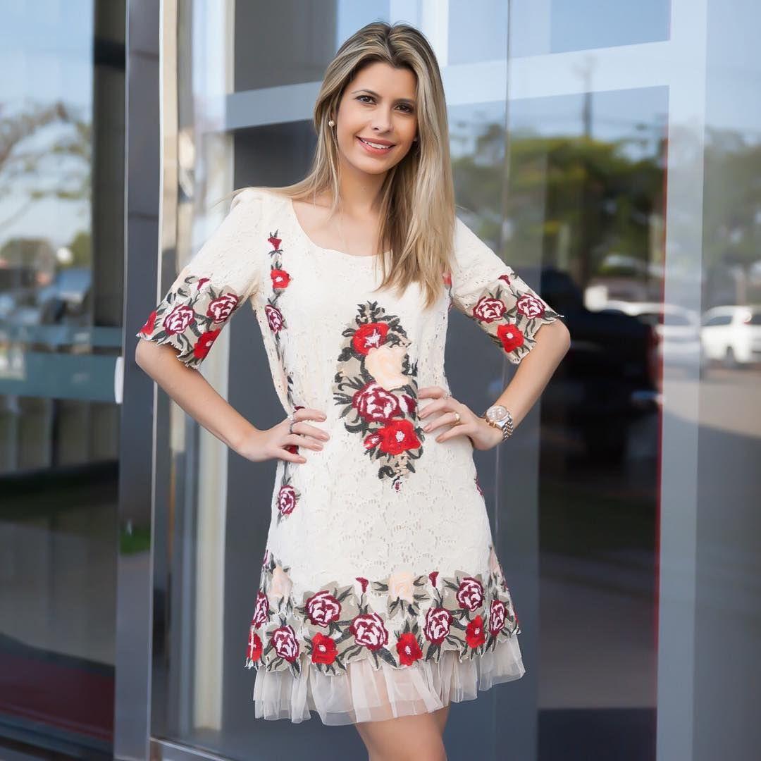 """""""Vestido todo romântico da @evabellaoficial! ❤️ Lançamento rolando aqui no Shopping Avenida Fashion em Maringá #me #fashion #mystyle"""""""