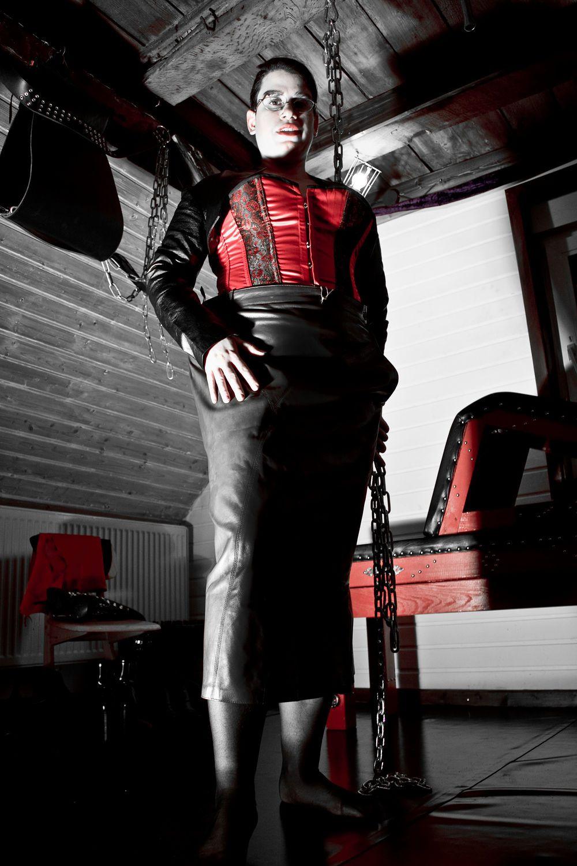 Bilder von Domina Lady Sara - von femme bis butch, von ...