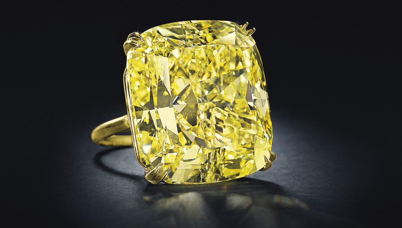This auction is among the first to launch the much-anticipated fall season of Christie's worldwide jewelry auctions and features over 300 individual jewels.