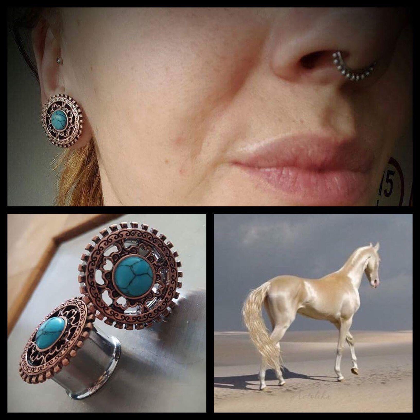 Mega sød kunde sendte billeder af hendes fine nye smykker, som hun købte hos os- Septum clicker og plugs med turkis 😍   Ses i dag på Vesterbro 11-16 ❤🙏🏾