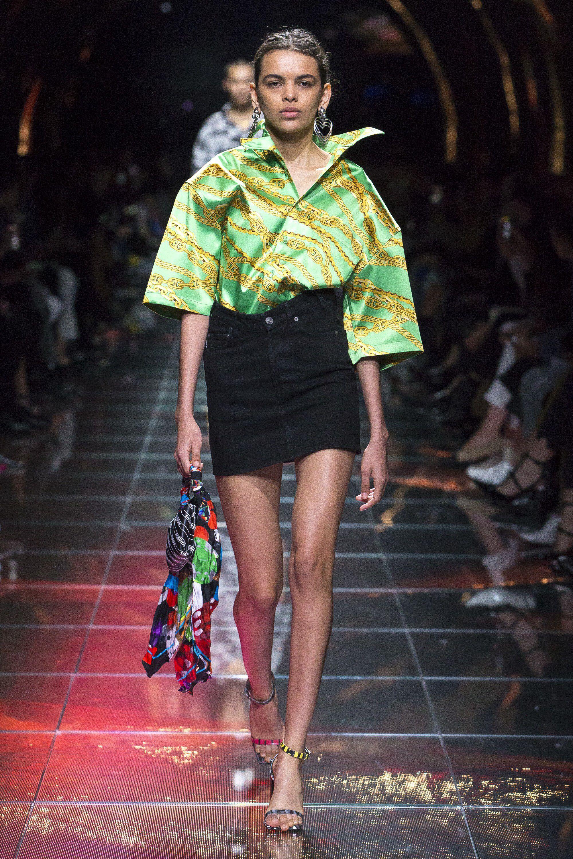 48ba3e2405b5 Balenciaga Spring 2019 Ready-to-Wear Fashion Show Collection: See the  complete Balenciaga Spring 2019 Ready-to-Wear collection. Look 45