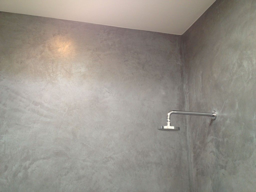 Plaster Showers In Venice Ancient Materials For Modern Buildings Concrete Shower Shower Wall Plaster Walls