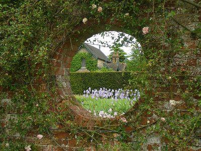 windmillsnat:  Walled garden at Polesden Lacey (by Werner)