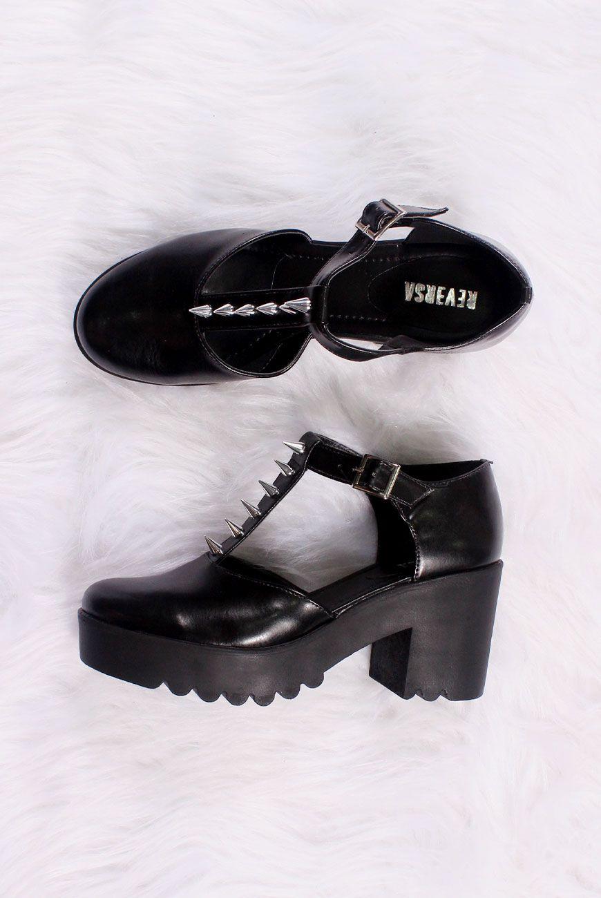 c85566c221 Sapato Boneca T Spikes Sapatos Góticos