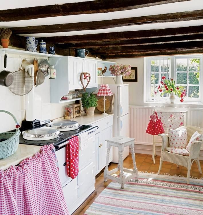 20 Charming Cottage Style Kitchen Decors: Country Kitchen Designs