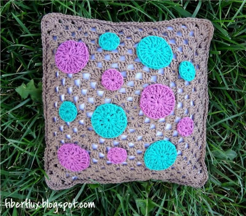 Dotty Throw Pillow | crochet | Pinterest