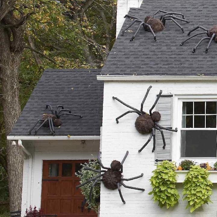 Photo of DIY Giant Halloween Spiders – Outdoor Decor Idea