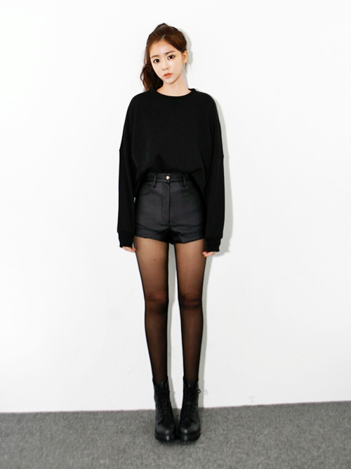 sheer to opaque tights + black high waist shorts | Style ...