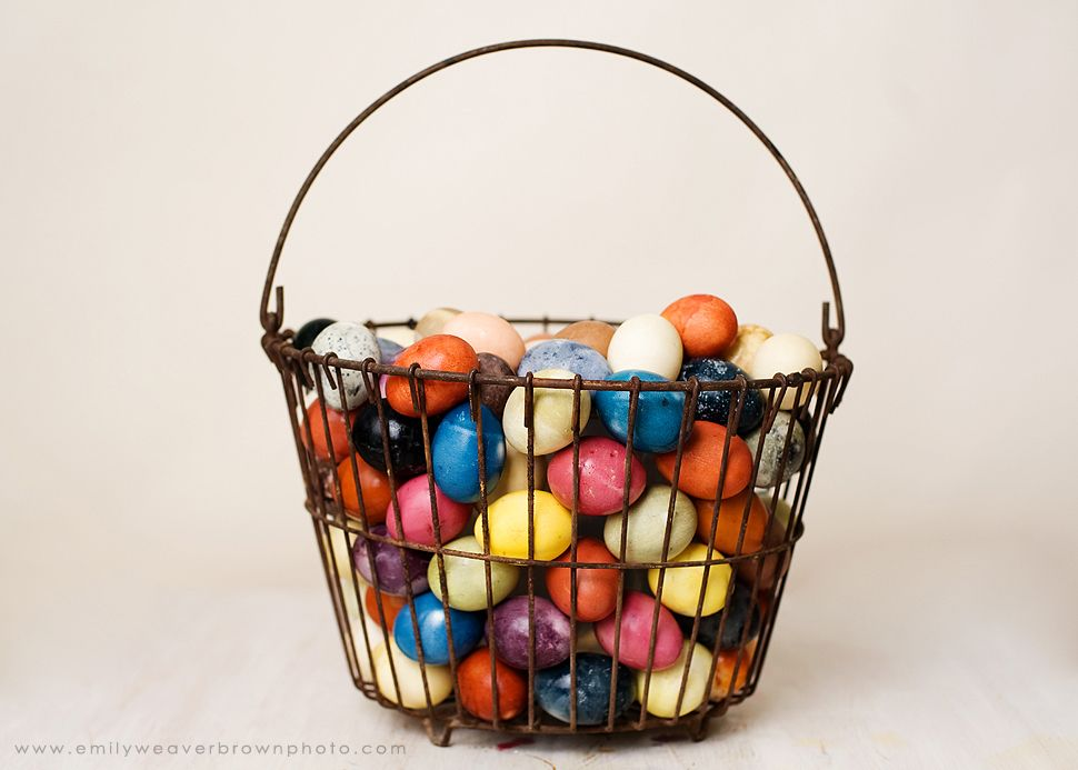 The science behind natural easter egg dyes, with ...