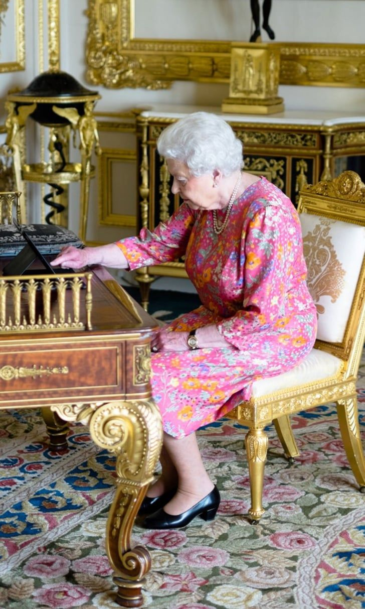 Queen Elizabeth II Sends Out Her Very Own Tweet — and Here's the Photo to Prove…