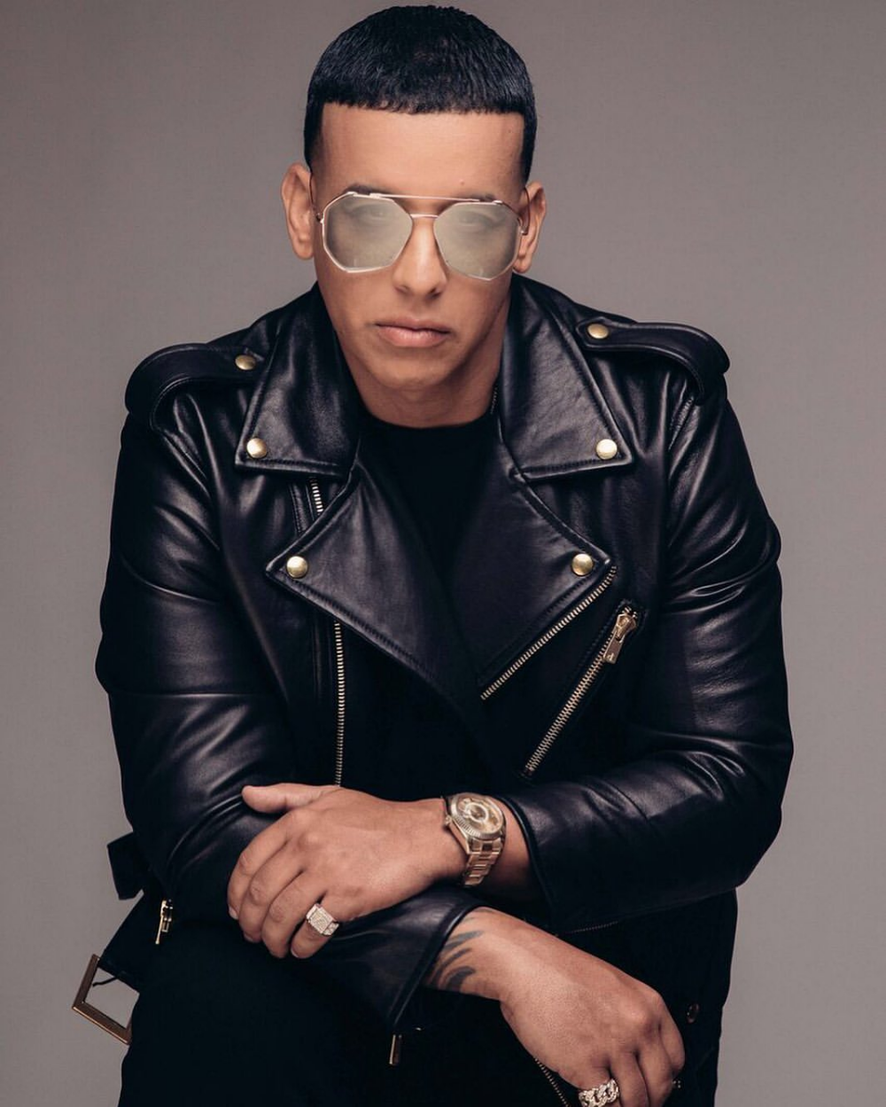 Pin By Maria Sosa On Discos De Daddy Yankee Daddy Yankee New Daddy Photo Today
