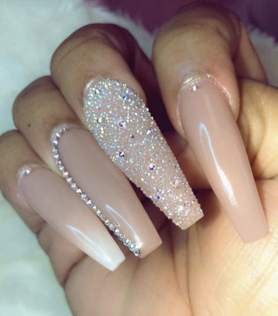 The Cute Acrylic Nails are so perfect for winter holidays 2018-2019! Hope they c…