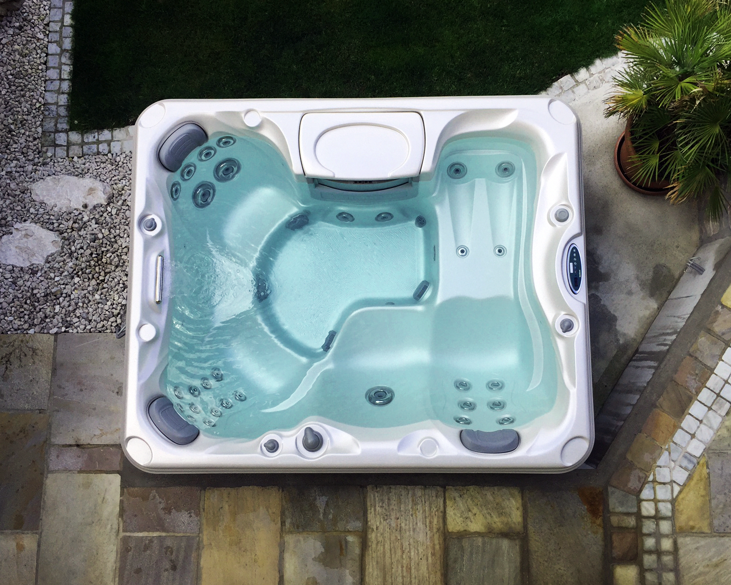 Advantages And Disadvantages Of Indoor Hot Tubs Vs Outdoor Hot Tubs Whirlpool Hot Tub Hot Tub Cover Tub Cover