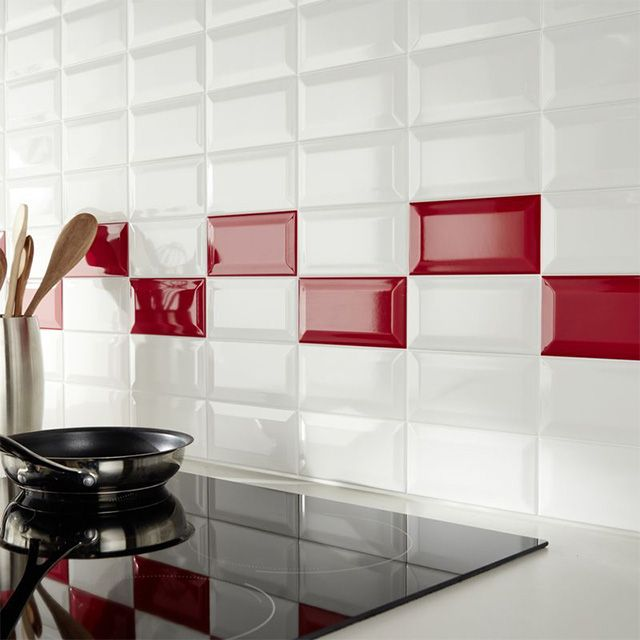 mur de cuisine en carrelage m tro rouge et blanc castorama material pinterest tiles. Black Bedroom Furniture Sets. Home Design Ideas
