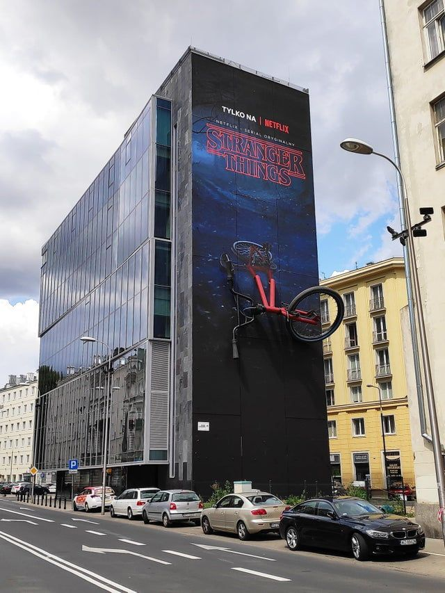 This Stranger Things ad in Warsaw, Poland. Memy