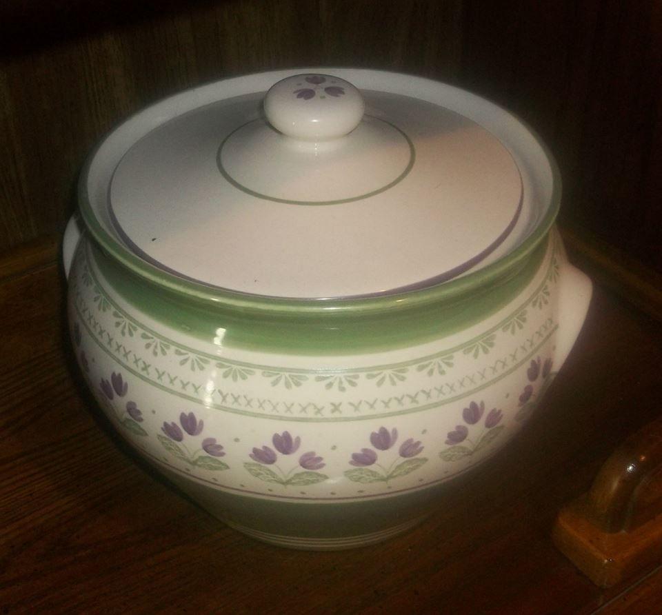 The Shangary 5 Quart Irish Stew Pot