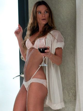 Fiona burn notice nude pussy or topless