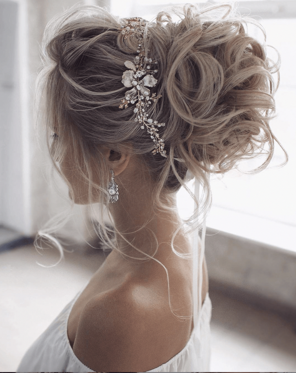 Great Wedding Hairstyles For The 2020 Season Rollup Up Updo Upstyle Great Hairstyles Rollup Season In 2020 Long Hair Styles Summer Wedding Hairstyles Hair Styles