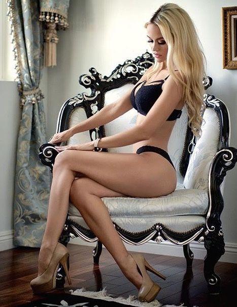 Long Haired Glamorous Brunette Beauty Mckenzie