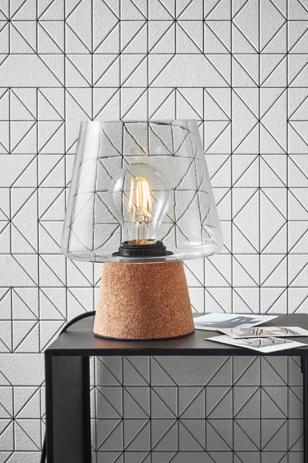 Lampe A Poser Lampe De Chevet Liseuse Peu Importe Le Nom On Adore La Lumiere Des Petites Lampes Design Industriel Lampe A Poser Diy Deco Meuble Pas Cher