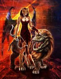 SEKHMETH  A poderosa deusa com cabeça de leoa é filha de Ra, mas reflete o aspecto destrutivo do Sol. Foi enviada por Rá para punir os humanos que passaram a adorar um deus em forma de serpente.